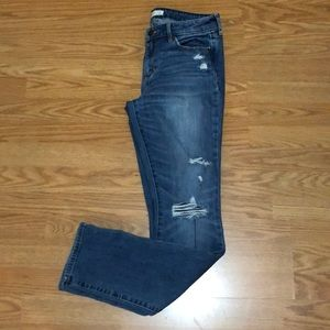 Abercrombie & Fitch 29 distressed Jean with holes